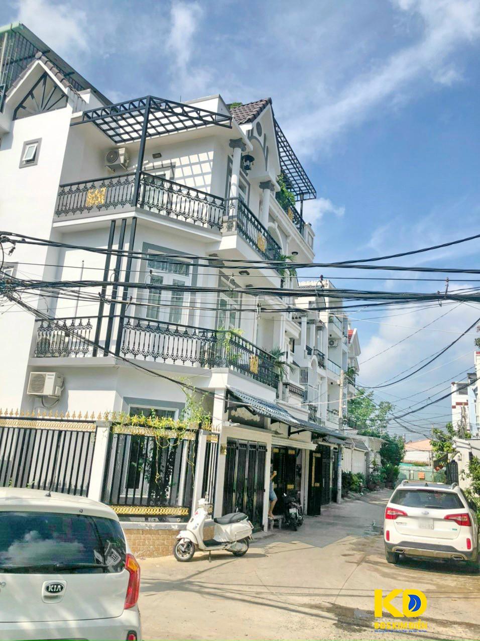 Bán nhà 2 lầu góc 2 mặt tiền hẻm xe hơi 90 đường Dương Cát Lợi thị trấn Nhà Bè