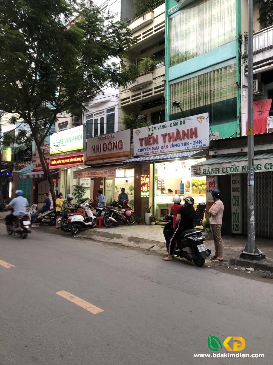Bán gấp nhà đẹp 3 lầu mặt tiền đường Vĩnh Hội phường 4 Quận 4.
