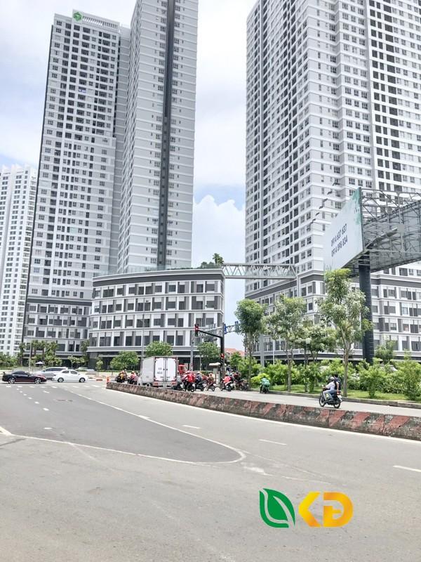 Bán gấp nhà nát mặt tiền cực đẹp Bến Vân Đồn quận 4.