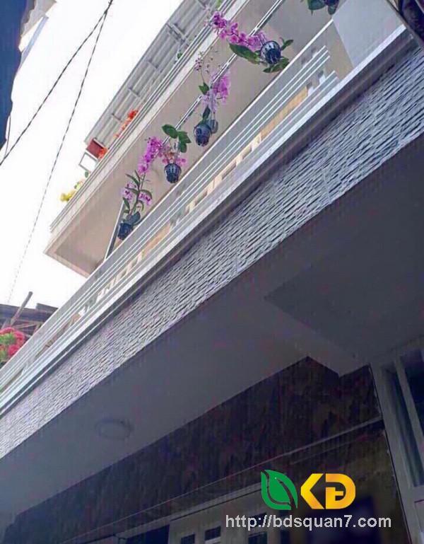 Bán nhà 3 tầng mặt tiền hẻm 997 Trần Xuân Soạn quận 7.