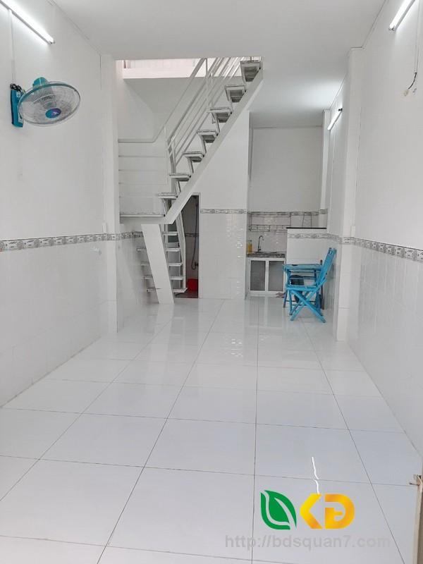 Bán nhà 1 lầu mới hẻm 64 Nguyễn Khoái quận 4.